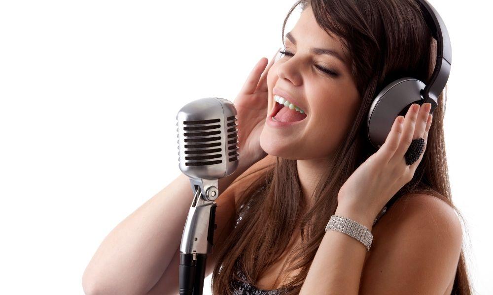 Tips Dan Trik Melakukan Cover Lagu Agar Banyak Dilirik Dan Disukai